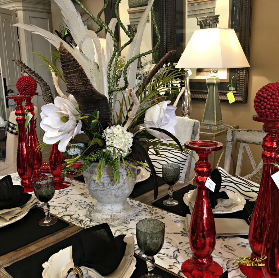 table scape at Imogenes www.chathamhillonthelake.com