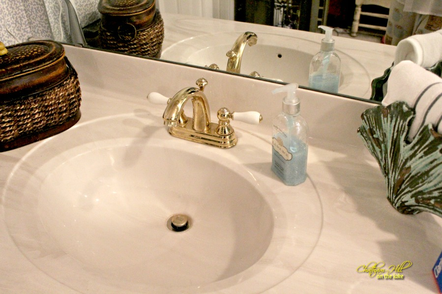 cultured marble sink before piciture www.chathamhillonthelake.com