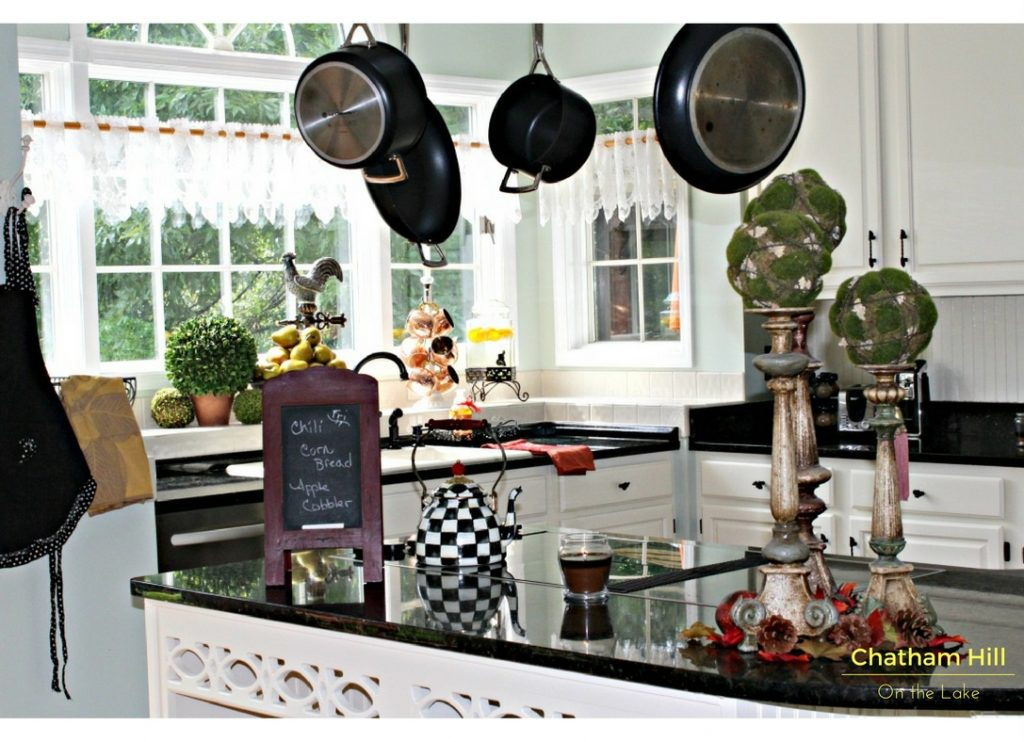 French Country Kitchen www.chathamhillonthelake.com