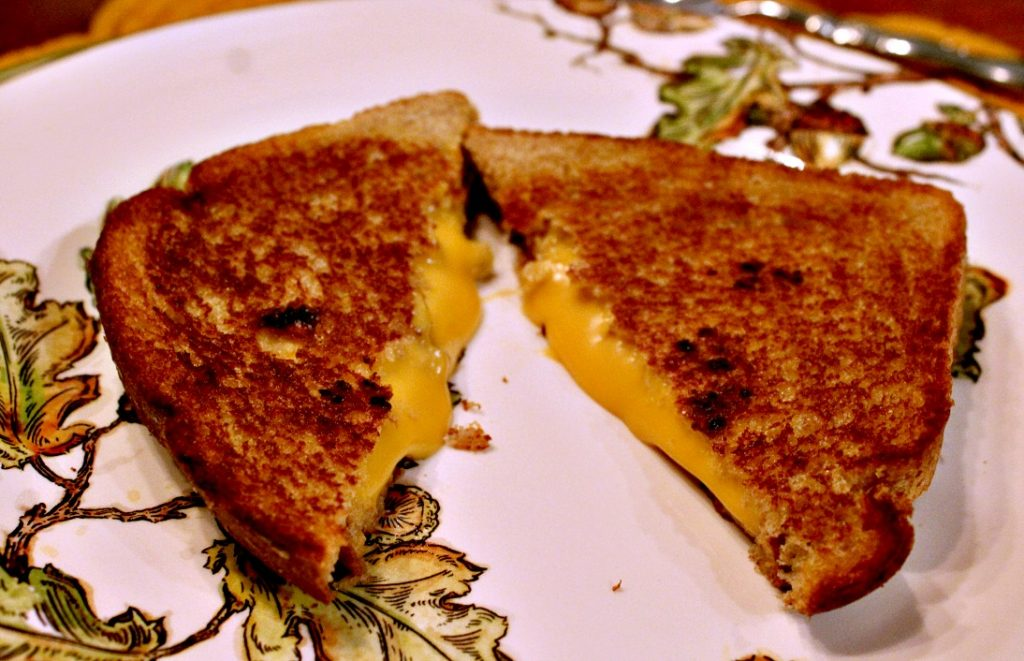Velveeta Grilled Cheese Sandwiches www.chathamhillonthelake.com