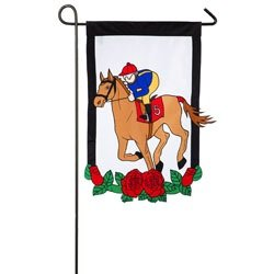 Kentucky Derby Garden Flag at www.yourhomeyourhappyplace.com