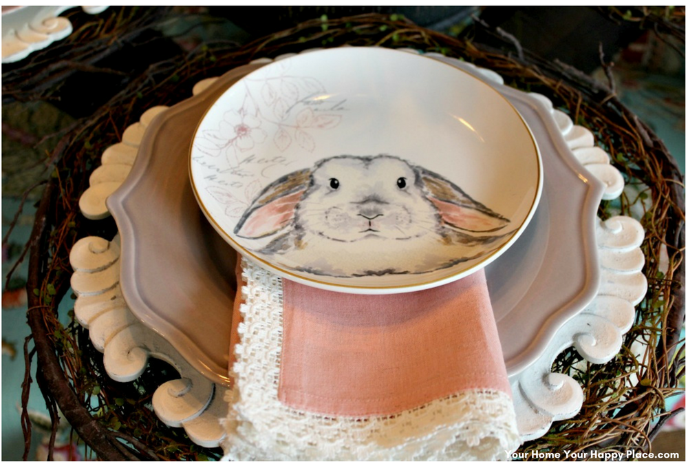The last layer of your spring table decor www.yourhomeyourhappyplace.com