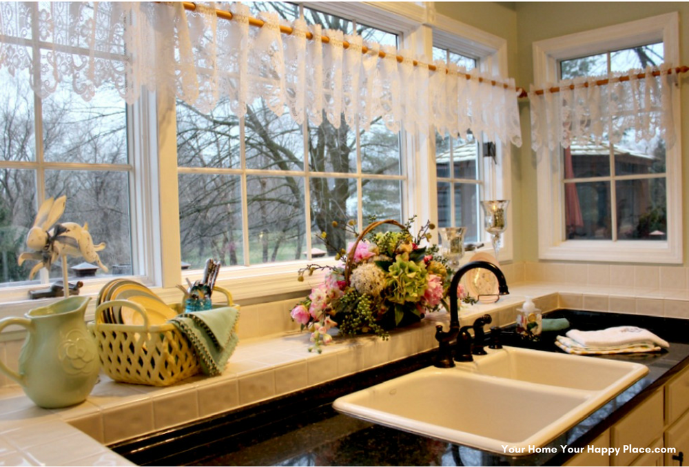 Spring Decor in the Kitchen www.yourhomeyourhappyplace.com